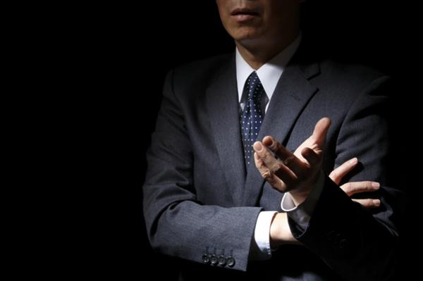 審査と称して個人情報を集める悪質な現金化業者の存在