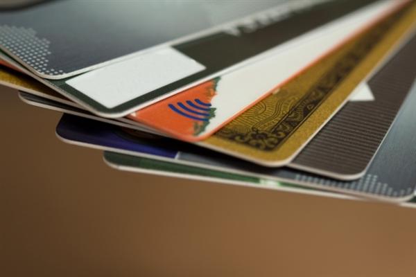 利用するにはクレジットカード情報が必要